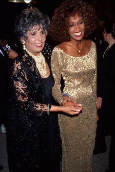 Whitney Houston with Lena Horne Whitney Houston, Lena Horne, Beautiful Black Women, Beautiful People, Amazing People, Cabaret, Black Celebrities, Celebs, Beverly Hills