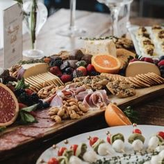 Grazing Table Gallery – Table & Thyme Grazing Platter Ideas, Mini Crab Cakes, Appetizer Recipes, Appetizers, Mimosa Bar Sign, Party Food Platters, Famous Chocolate, Grazing Tables, Food Displays