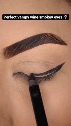 Asian Eye Makeup, Eye Makeup Art, Natural Eye Makeup, Blue Eye Makeup, Eyebrow Makeup, Eye Art, Makeup Stuff, Beauty Makeup, Beauty Tips