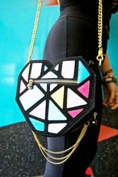 OMG!!!!! I want this bag so bad. It's doesn't say where it's from on Refinery29 :(