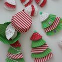 Just added my InLinkz link here: http://www.mamamiss.com/2013/12/06/20-days-of-kid-made-ornaments-week-1-roundup/