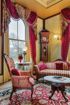 Epic 30+ Amazing Renaissance Living Room Ideas To Inspire You http://decorathing.com/living-room-ideas/30-amazing-renaissance-living-room-ideas-to-inspire-you/