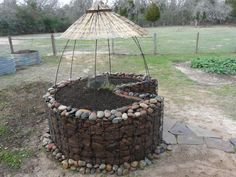 Keyhole garden - for composting and dry gardening