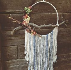 The Juliet Dream Catcher. I love the driftwood dream catcher💕 Dreamcatchers, Diy And Crafts, Arts And Crafts, Deco Boheme, Crafty Craft, Crafting, String Art, Diy Art, Wind Chimes
