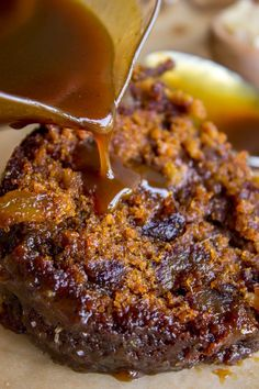 Ginger Sticky Toffee Pudding Cake from The Food Charlatan - Dessert Recipes Sticky Date Cake, Sticky Ginger Cake, Easy Pudding Recipes, Ginger Pudding Recipe, Lemon Pudding Cake, Sticky Toffee Pudding Cake, Just Desserts, Dessert Recipes, British Desserts