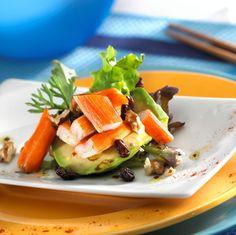 Ensalada de aguacate con frutos secos y surimi en el recetario de YoDona... Bon…