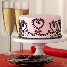Paisley Passion Valentine Cakeby @wilton #wilton #cakedecorating #passioncake