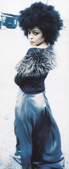 misterand:  Diana Ross  18° 15' N, 77° 30' W