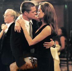 BRAD PITT Y ANGELINA JOLIE Como John y Jane Smith en Sr. & Sra. Smith (2005)