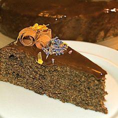 Маковый торт с тыквой - очень сезонный рецепт. Осенний такой: яркий по вкусу и цвету!