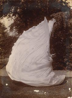 Samuel Joshua Beckett, Loie Fuller Dancing, 1900.