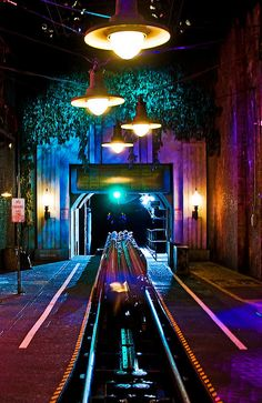 5-4-3-2-1!!!!!!!!!!!!!-Aerosmith Rockin Rollercoaster. this was one of my favs. shoots you off 0 to 60 in 3 sec.