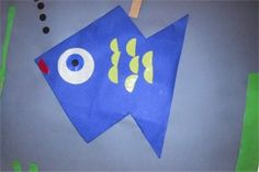 Most beautiful fish of the sea Tinkering fishes Miss Sanne - The world's most private search engine Ocean Theme Crafts, Sea Crafts, Fish Crafts, Ocean Themes, Diy And Crafts, Beneath The Sea, Under The Sea, Preschool Lessons, Activities For Kids