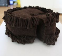 DIY Felt Chocolate Cake #DIY #Sewing #Sew #Toys #FeltFood #PlayFood #Kids #Toddlers #Cakes