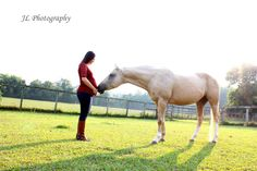 Maternity picture with horse. My beautiful best friend and her horse