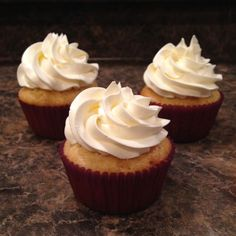 Sugar Free icing is now possible with Italian Meringue Buttercream made from Xylitol. Extremely smooth and delicious, just like the full sugar variety!