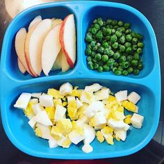 Toddler meals 49328558404742967 - Simple toddler lunch: Boiled eggs, apple slices and peas:) Source by arancionissima Healthy Toddler Meals, Toddler Lunches, Healthy Kids, Kids Meals, Healthy Snacks, Healthy Recipes, Toddler Dinners, Toddler Food, Baby Finger Foods