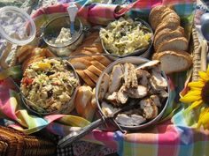 [Picnic+at+the+Beach+-+food+overview.jpg]
