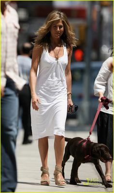 Jennifer Aniston wears an all white dress on the set of her new film The Bounty | jennifer aniston white out woman 06