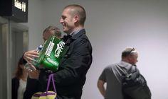 Lfernandes: Carlsberg distribui caixas da sua cerveja na estei...