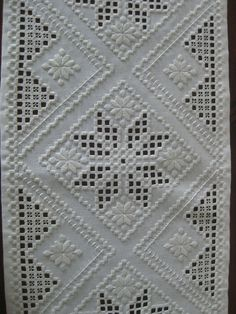 Hardanger Embroidery Resultado de imagen de white on white norwegian embroidery - Types Of Embroidery, Learn Embroidery, Hand Embroidery Stitches, Vintage Embroidery, Embroidery Techniques, Embroidery Patterns, Cross Stitches, Loom Patterns, Ancient Persia