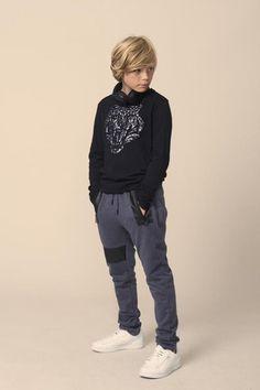 Teen Boy Fashion, Toddler Boy Fashion, Little Girl Leggings, Little Boy Haircuts, Beauty Of Boys, Kids Photography Boys, Young Cute Boys, Boys Long Hairstyles, Stylish Boys