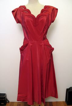 Vintage 1940's Fabulous Deep Red Taffeta Bombshell Party Dress