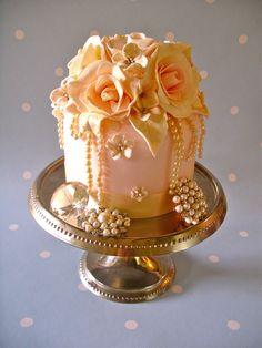 the most beautiful cupcakes and mini cakes Beautiful Cupcakes, Gorgeous Cakes, Pretty Cakes, Amazing Cakes, Fancy Cakes, Mini Cakes, Cupcake Cakes, Peach Cupcakes, Petit Cake