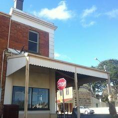 What a perfect day to 'stop' on by - mid August 2013.   Kabinett Vintage, 66 Piper St, Kyneton.