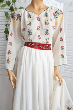 Ie Romaneasca Augustina, Voal Lana - Chic Roumaine Bell Sleeves, Bell Sleeve Top, Cold Shoulder Dress, Dresses With Sleeves, Traditional, Embroidery, Manual, Long Sleeve, Floral