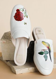 ALEPEL - Luxury Hand-painted Leather Shoes and Accessories for Women Shoe Makeover, Painting Leather, Shoe Painting, S Monogram, Hand Painted Shoes, Slip On Mules, Michael Kors Wallet, Leather Design, Custom Shoes