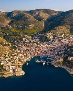 Hydra, Greece Mykonos Greece, Crete Greece, Athens Greece, Places To Travel, Places To See, Travel Destinations, Wonderful Places, Beautiful Places, Rivers And Roads