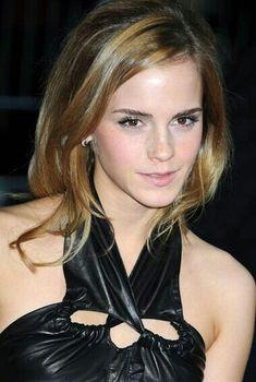 Celebrity Crush, Celebrity Style, Emma Watson Pics, Hottie Women, Emma Watson Sexiest, Elle Magazine, Iconic Women, Celebs, Celebrities