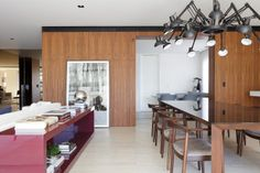 Apartamento Leopoldo Couto Magalhães / Suite Arquitetos #living #dining #lighting