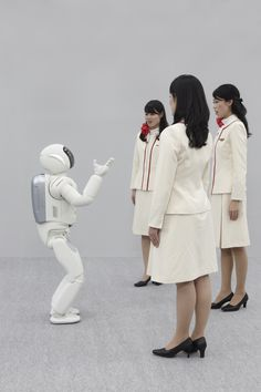 ASIMO_listening_to_3people.jpg 1,771×2,657 pixels
