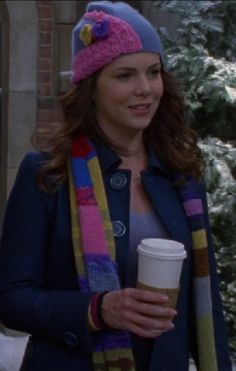 Love this hat and scarf!!! {Scene from Gilmore Girls}