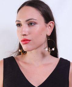Σκουλαρίκια Κρίκοι με Χρυσό Λουλούδι   Vaya Fashion Boutique Fashion Boutique, Hoop Earrings, Jewelry, Products, Jewlery, Jewerly, Schmuck, Jewels, Jewelery