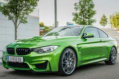 BMW F82 M4 green Top Cars, Color Inspiration, German, Racing, Bmw, Motorbikes, Cutaway, Deutsch, Running