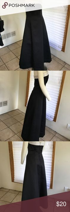 Strapless evening dress Perfect for homecoming Black satin with white trim Dresses Strapless