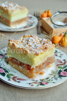 Szarlotka (apple pie)