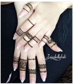 Henna Tattoo Designs Simple, Finger Henna Designs, Henna Art Designs, Mehndi Designs For Girls, Mehndi Designs For Beginners, Modern Mehndi Designs, Mehndi Design Photos, Mehndi Designs For Fingers, Latest Mehndi Designs