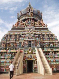 Koodal Azhagar Koil is a famous Hindu temple dedicated to Lord Vishnu located in the center of the city of Madurai