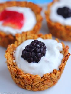 Breakfast Granola Cups Today is the official release date of the Chocolate-Covered Katie Cookbook! bfast granola cupsToday is the official release date of the Chocolate-Covered Katie Cookbook! Easy To Make Breakfast, Breakfast Cups, Vegan Breakfast, Brunch Recipes, Breakfast Recipes, Breakfast Ideas, Breakfast Appetizers, Muffin Tin Recipes, Snacks Saludables