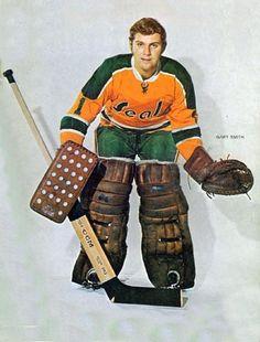 card g smith Women's Hockey, Hockey Games, Field Hockey, Hockey Stuff, Maurice Richard, Gary Smith, Goalie Mask, Nhl Players, Baseball Photos