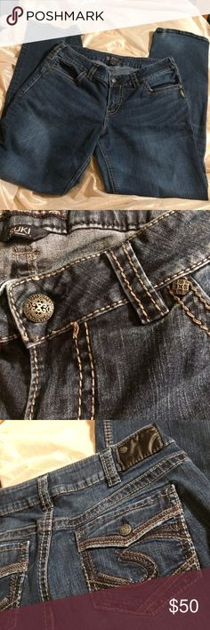 Silver suki jeans sz 14 Silver suki mid slim boot jean sz 14 l33  faded wash does have a popped stitching at the hem and some distressed spots around hem  Waist:36 Inseam: 32 Silver Jeans Jeans Boot Cut