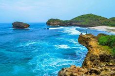 Srau beach @Regrann from @javsugar -  Im just a walking travesty but im smiling at everything. . . Pantai Srau Pacitan East Java . . #view  #landscape  #latepost #beach #cliff #sea #cameraindonesia #natural #nature #exploreindonesia #jelajahjatim #nikon #kerengan #traveler #clear #sky #clouds #pesonaindonesia #explorepacitan #instajatim #ayodolan #pacitan #indotraveller #goker #gokilbackpacker #Regrann by pacitanadventure