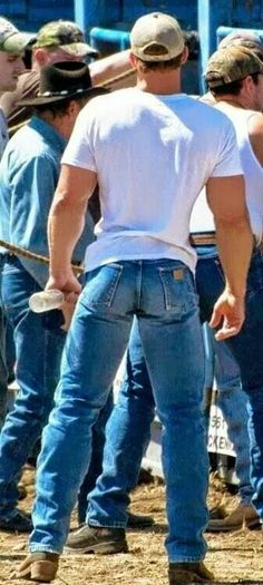 Once again I find myself wanting to write a love letter to Wrangler. ;) But that is just fine from top to bottom. Legs, butt, ridiculously trim waist, back, beautiful broad shoulders, and arms that make me weep. *sigh*