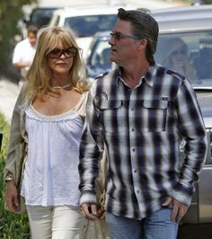 Kurt Russell Photos - Goldie Hawn and Kurt Russell out at an Easter party in Malibu. - Goldie Hawn And Kurt Russell At An Easter Party In Malibu Pictures Of The Week, Couple Pictures, Perfect Couple, Im Not Perfect, Goldie Hawn Kurt Russell, Death Proof, Hollywood Couples, Famous Couples, Movie Stars