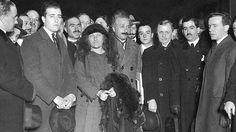 Efemérides de Madrid. 2 de marzo. Albert Einstein a su llegada a la estación de Mediodía de Madrid. Fuente ABC.