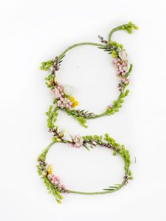i wish they had all the letters -- Carefully Arranged Flowers Form Enchanting Hand-Made Typography - DesignTAXI.com